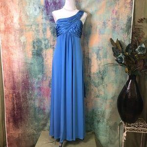 💙💙 David's Bridal Stylish Bridesmaid - Prom Gown
